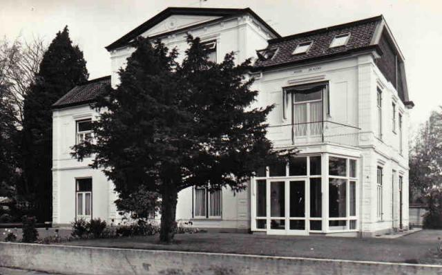 Albertus+Perkstraat+nr+8-10+1974+Noordhoff